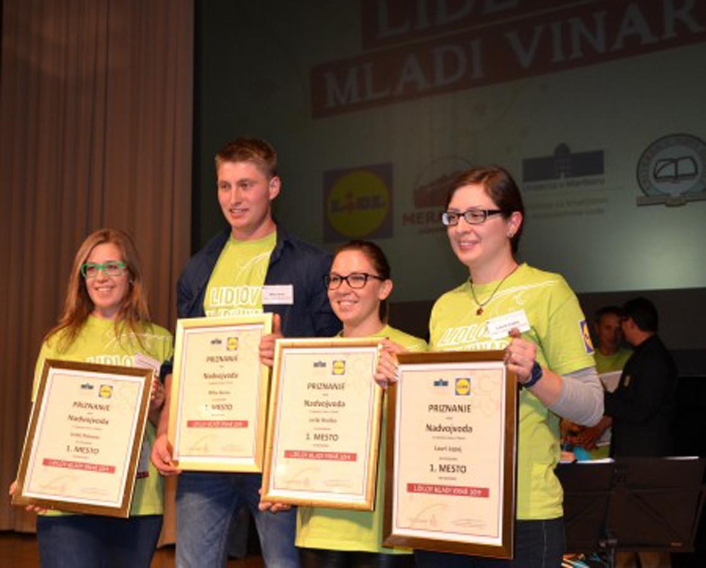 Zmagovalci natečaja, ki si pridelali najboljše mlado vino sorte sauvignon, bodo za nagrado prejeli strokovno ekskurzijo v izbrano tujo vinorodno deželo.