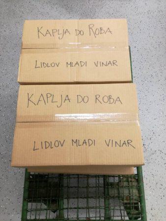 Polne škatle odličnega vina!